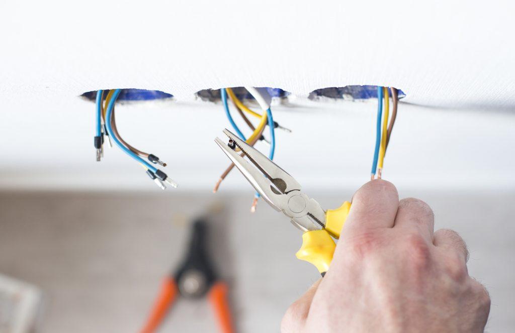 plug wiring by greenleaf electric llc
